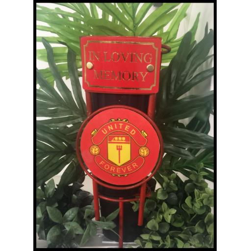 Man United metal football pot